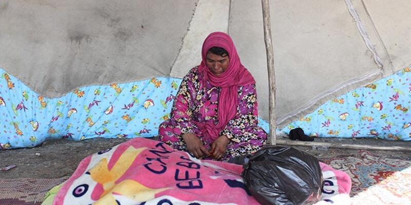 Çadırda kalan 2 aylık Suriyeli mülteci bebek soğuğa dayanamadı