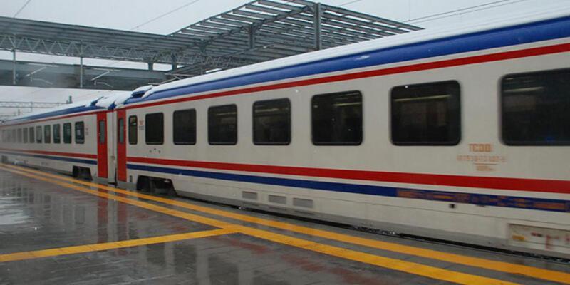 İstanbul-Adapazarı banliyö treni deneme seferine çıktı