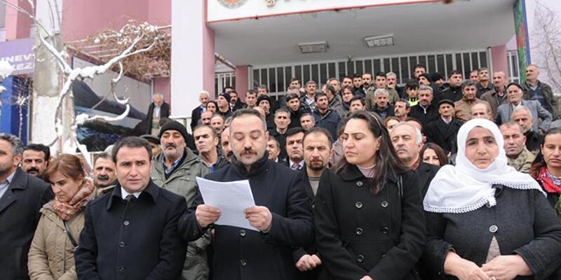Hakkari'deki 42 STK, Cizre olaylarını protesto etti