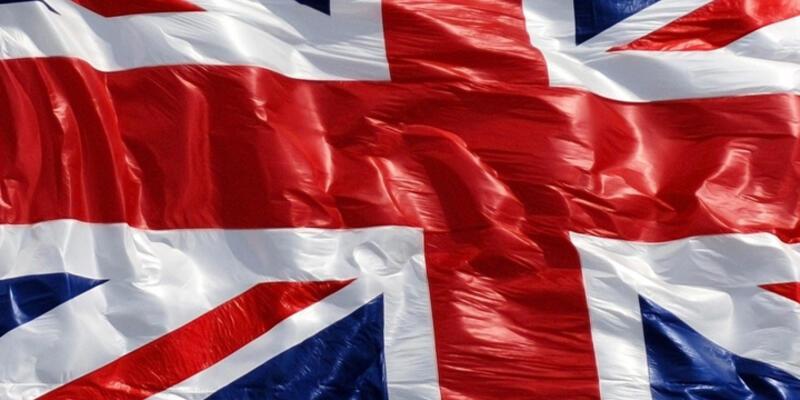 İngiltere'de din görevlilerine seçim uyarısı