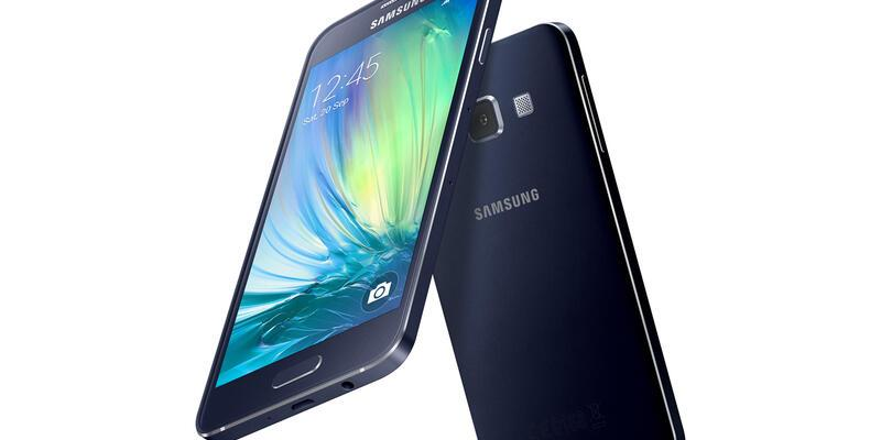 """Samsung en ince """"Galaxy""""leri tanıttı"""