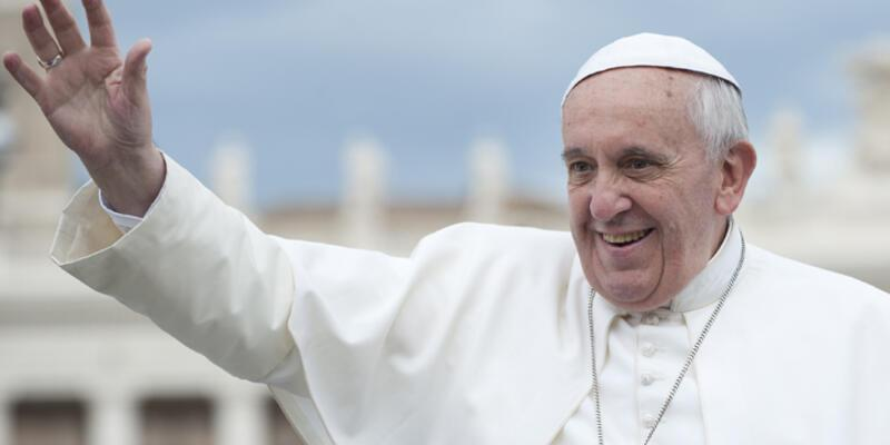 "Charlie Hebdo yöneticisi: ""Papa saçmaladı"""