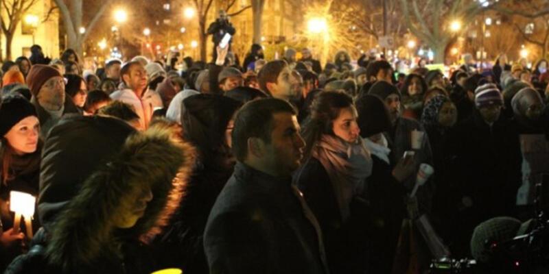 Ölen 3 müslüman genç için tören düzenlendi