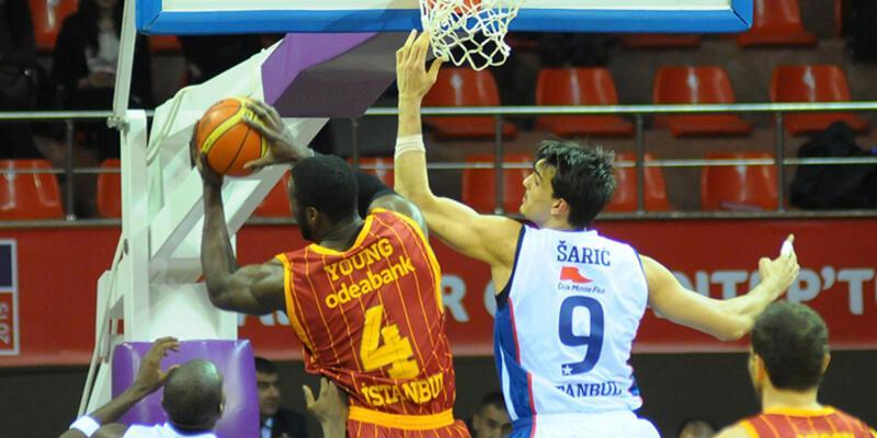 Pota derbisinde Efes Galatasaray'ı geçti