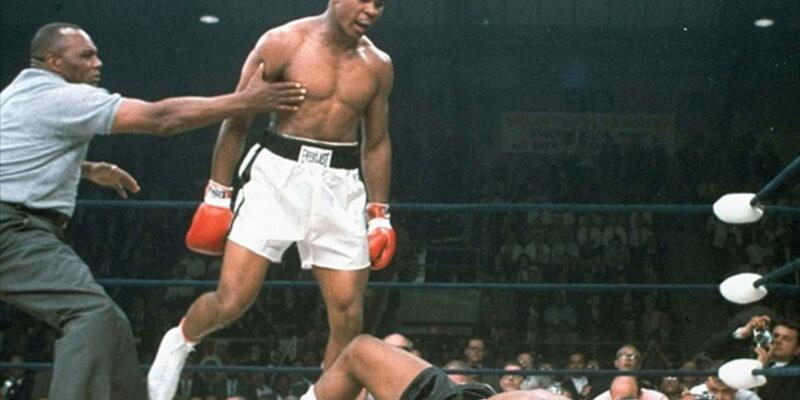 Muhammed Ali'nin eldivenlerine servet ödedi!