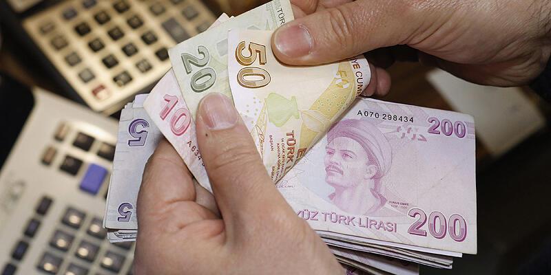 Türk-İş: 4 kişilik ailenin açlık sınırı bin 308 lira