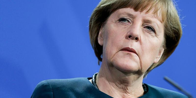 Angela Merkel'den Suruç saldırısı açıklaması