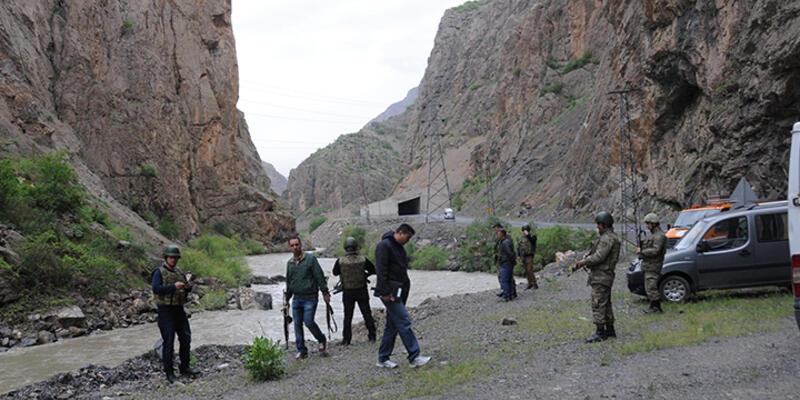 Hakkari'de araç Zap Suyu'na uçtu: 5 kayıp