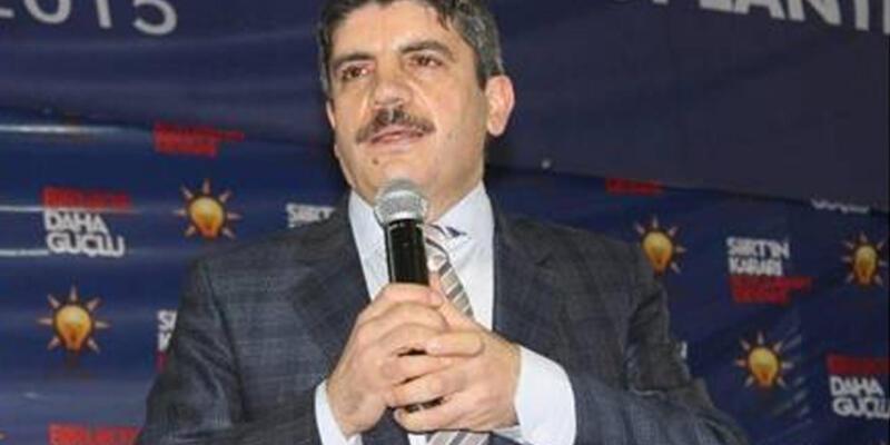 Siirt'te AK Parti adayı düğün konvoyunun önünü kesti