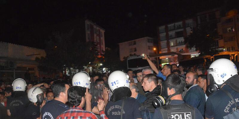 Tekirdağ'da HDP bürosuna taşlı saldırı!