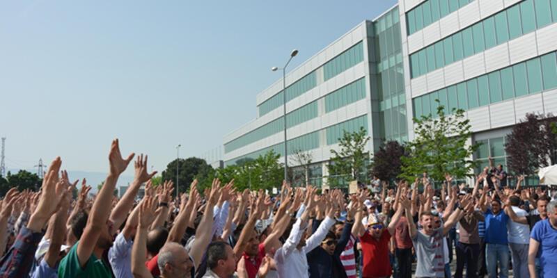TOFAŞ işçileri fabrika önünde toplanarak eyleme başladı