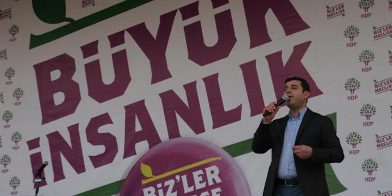 """Selahattin Demirtaş: """"Türkiye'de Titanik'in batırılmasına izin vermeyeceğiz"""""""