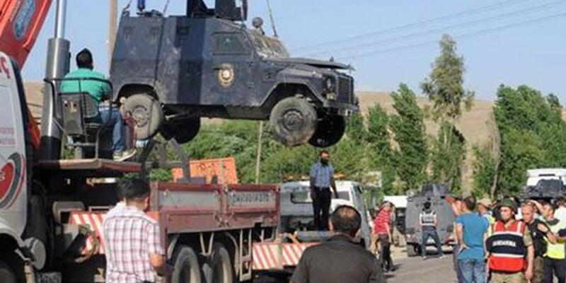 Cizre'de 4 polis yaralandı!
