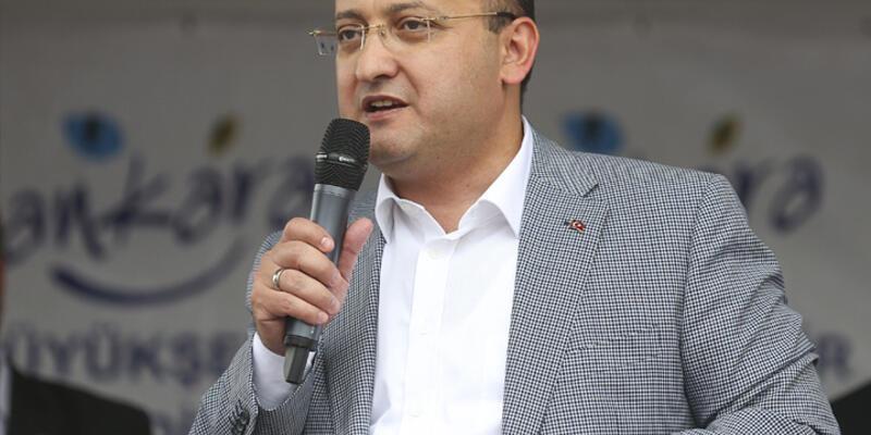 Akdoğan: ''Hem silah hem siyaset olmaz''