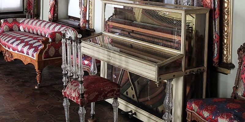 """""""Saraylı"""" piyanolar ilgi odağı"""