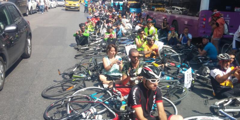 300 kişilk bisikletliden ölüm eylemi