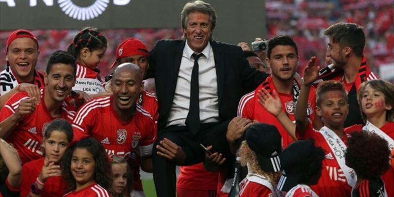 Jorge Jesus Benfica'yı ters köşeye yatırdı!