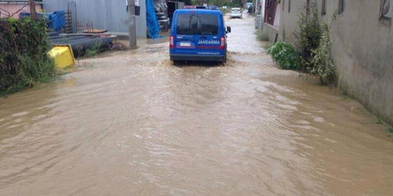 Şiddetli yağış yurtta etkili oldu
