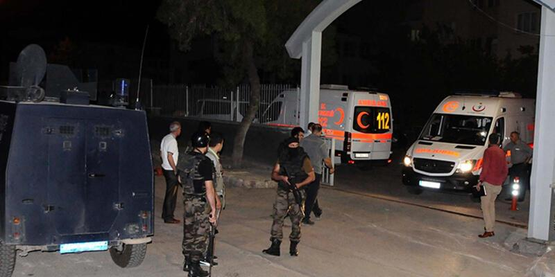 Polis merkezinden çıkarılırken ateş açıldı: 2'si polis 3 yaralı