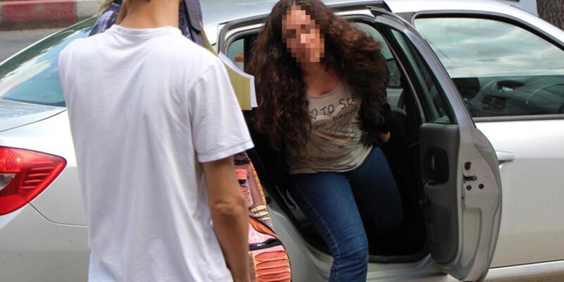 """Üniversiteli kıza yurtta """"Erdoğan'a hakaret"""" gözaltısı"""