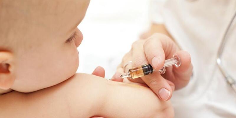Sağlık Bakanı'ndan zorunlu aşıya yasal düzenleme açıklaması