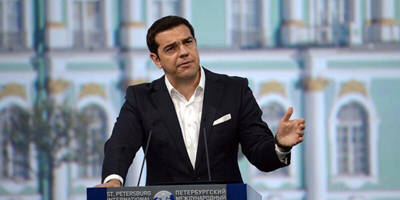 Çipras parti temsilcileri ile görüşüyor