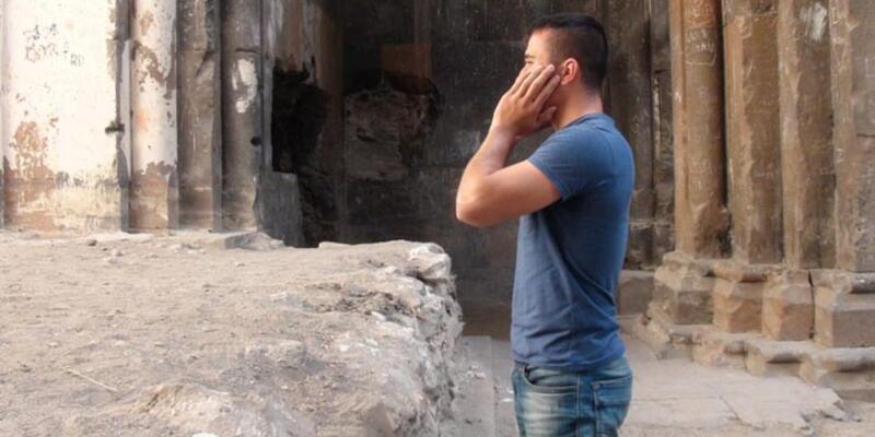 Ani Harabeleri'nde Ermeni turistin duasına, ezanlı karşılık