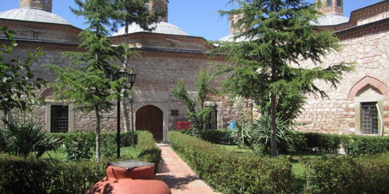 5 asırlık külliyenin restorasyonu için duvar yıkılarak kapı açıldı