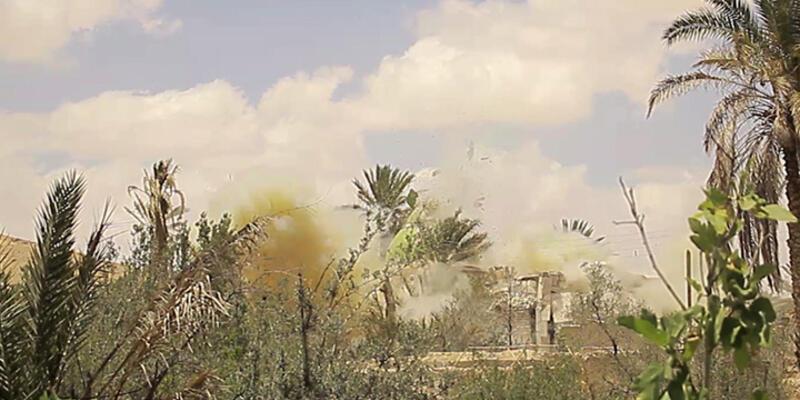 IŞİD Palmira'da türbeleri havaya uçurdu