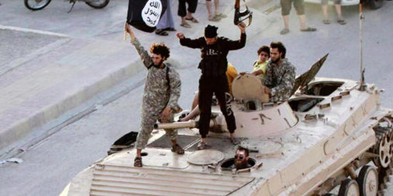 IŞİD Ayn İssa'yı geri aldı