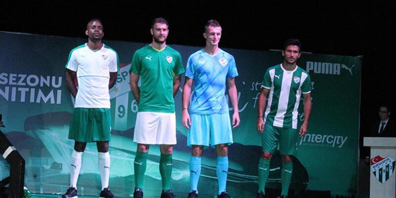 Bursaspor'da yeni sezon formaları tanıtıldı
