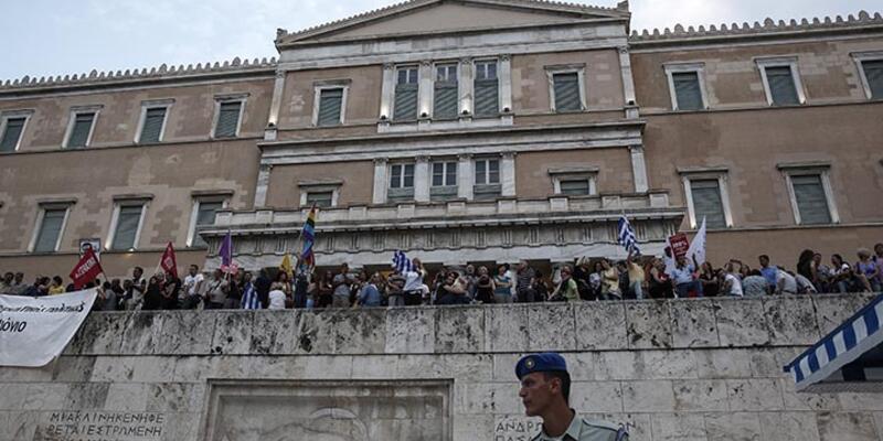 """Yunanistan Ekonomi Bakanı: """"Sermaye kontrolleri iki ay daha devam edecek"""""""