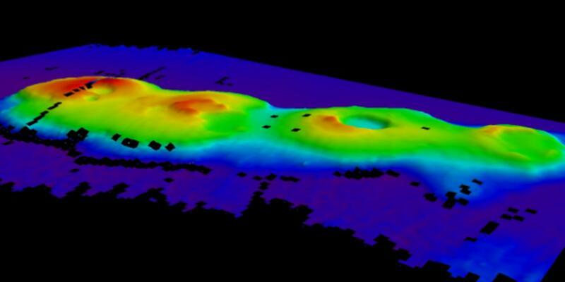 Deniz altında 4 volkan keşfedildi