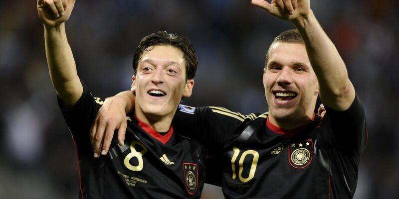 """Mesut Özil: """"Podolski doğru karar aldı"""""""