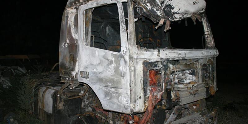 PKK Iğdır'da yol kesip, TIR yaktı