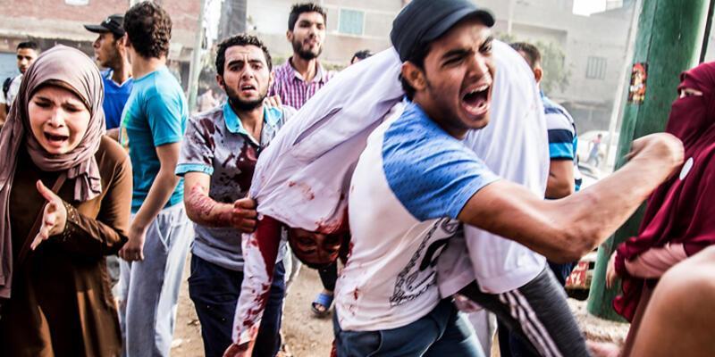 Mısır'da bayram namazı sonrası gösteri: 5 ölü