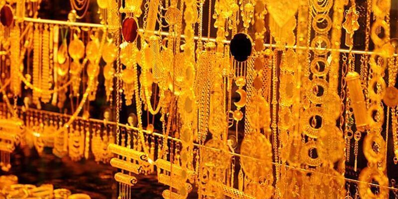 """Yastık altından """"45 ton altın"""" çıktı"""