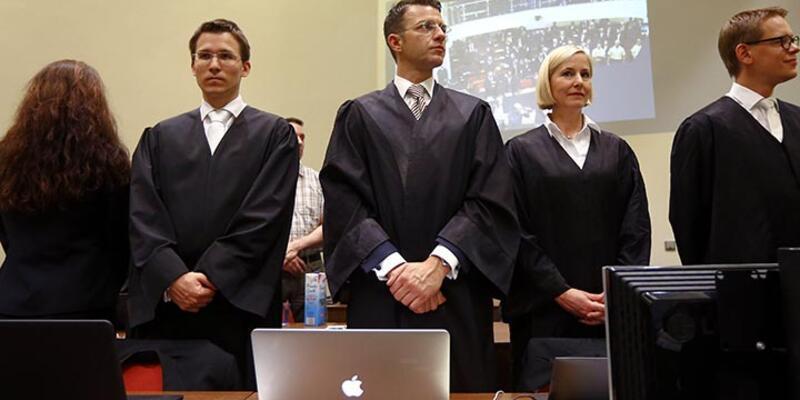Almanya'daki neo-Nazi davasında sanık avukatları çekildi