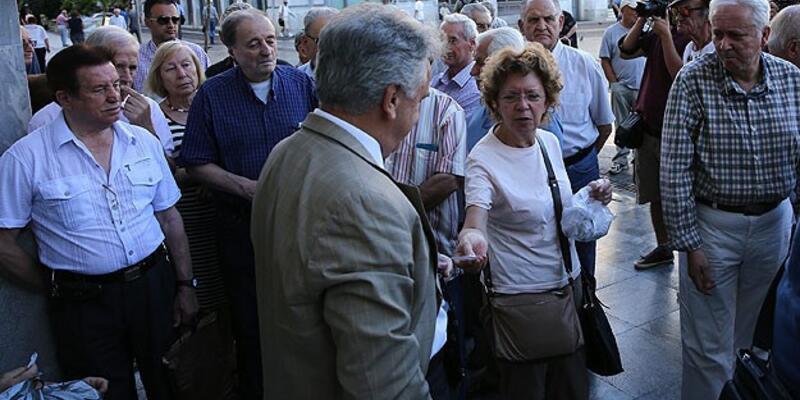 Yunanistan'da çarşı karıştı