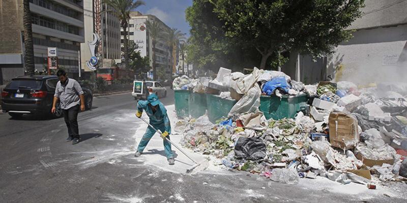 Beyrut'ta çöp yığınları oluştu