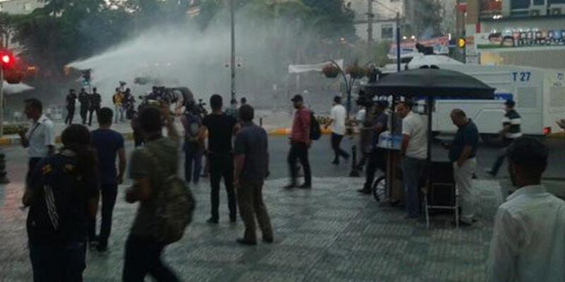Kadıköy'de Suruç protestosuna müdahale!