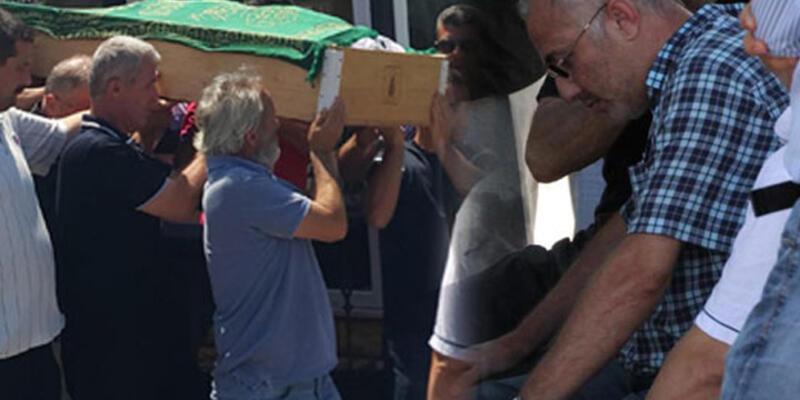 Babası cenazeye gelen dernek üyelerini kovdu