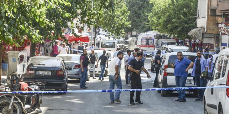 Diyarbakır'da polis ekibine silahlı saldırı: 1 polis şehit, 1 polis yaralı
