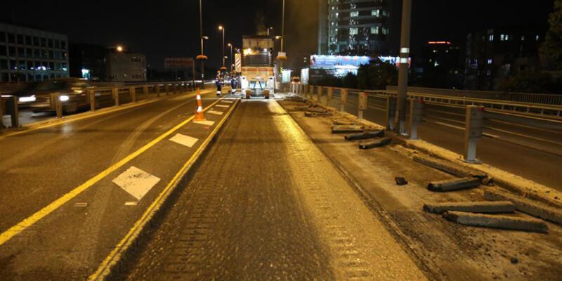 Metrobüs hattı asfaltını yenileme çalışmaları başladı
