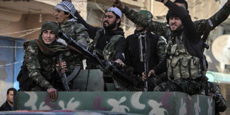 IŞİD katliam yaptığı Deyrizor'da ilerliyor