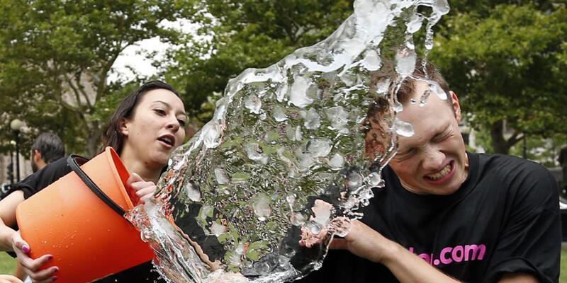 #IceBucketChallenge yeniden başlıyor