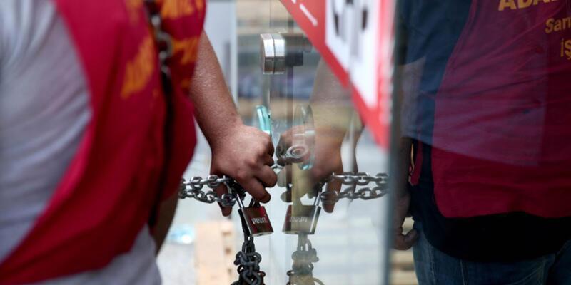 CHP İl Başkanlığı'nda zincirli eylem