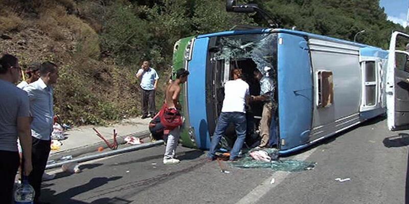 Beykoz'da halk otobüsü devrildi: 2'si ağır 10 yaralı