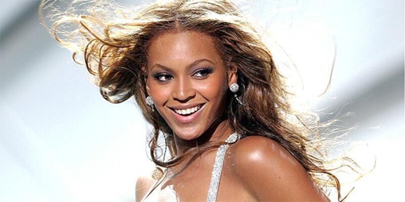 Beyonce'nin 200 bin sterlinlik ayakkabısı!