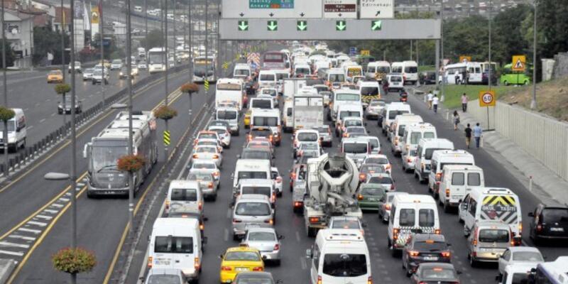 Trafiğe kayıtlı araç sayısı yüzde 20,9 arttı